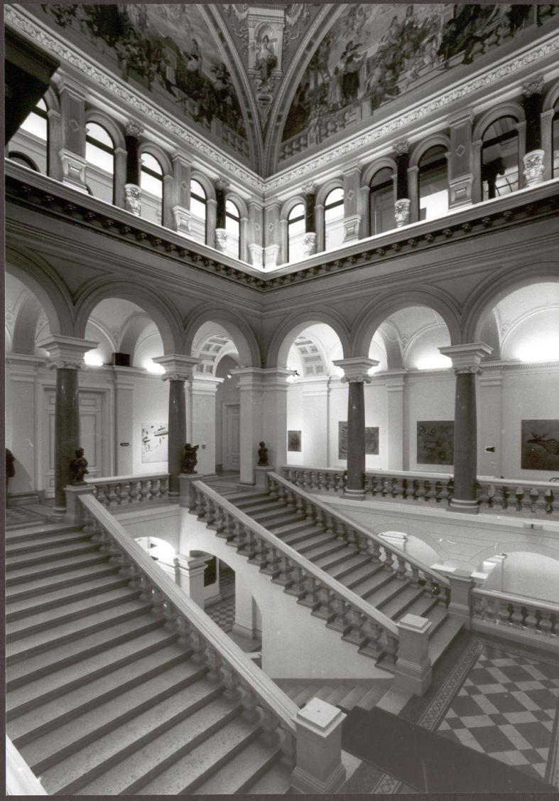 0000 LG Architektur Aufgang Schwarz Weiss
